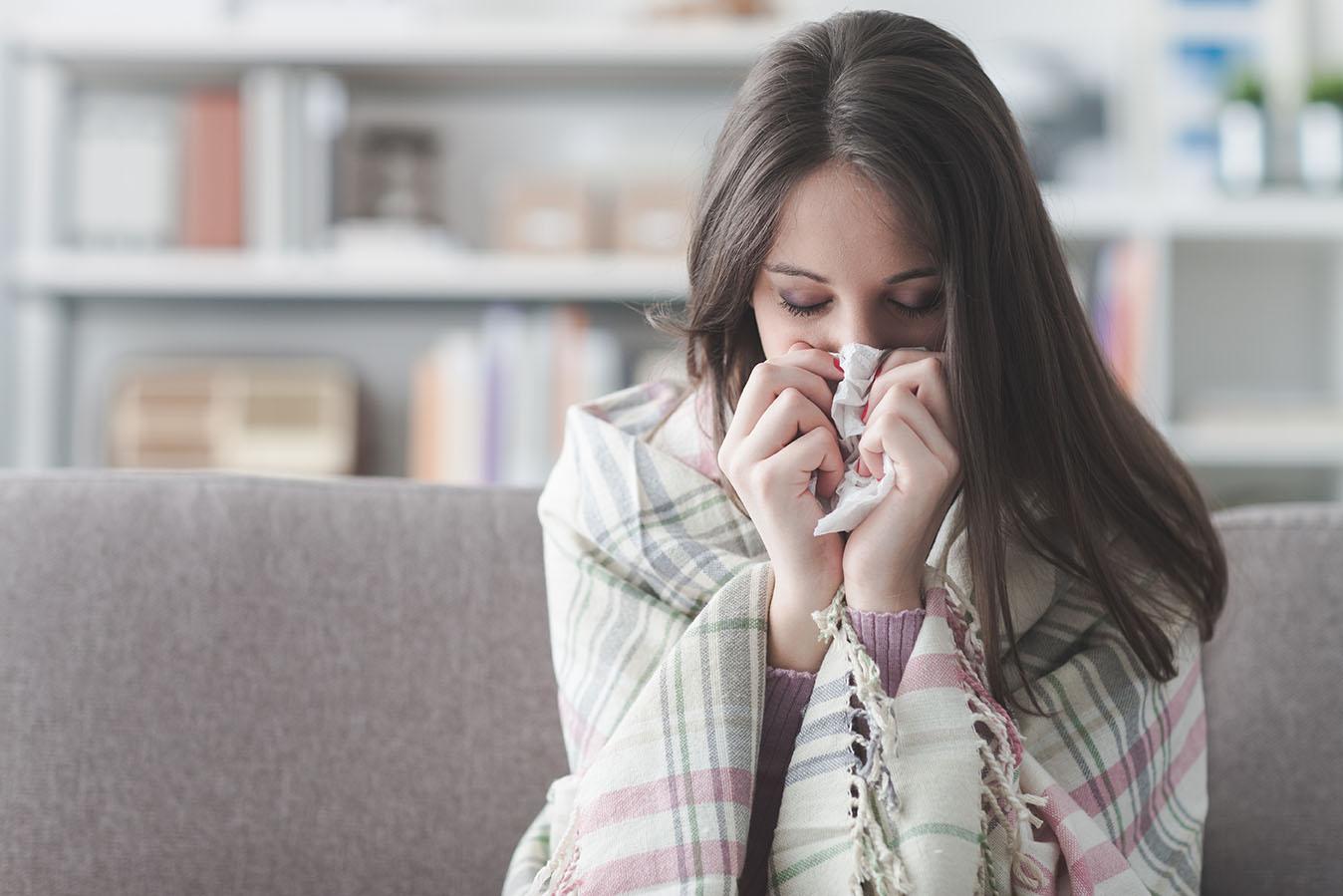 Die Hausfeen erkältete Frau